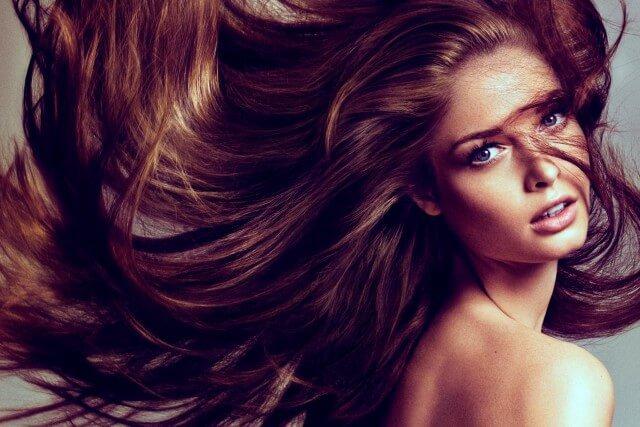 Смешанный тип волос. Жирные корни и сухие кончики волос.