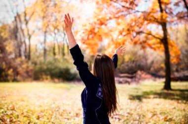 Осенняя линька или как укрепить волосы осенью
