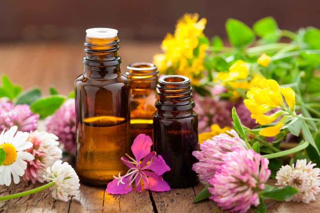 Эфирные масла для роста и густоты волос, польза и применение